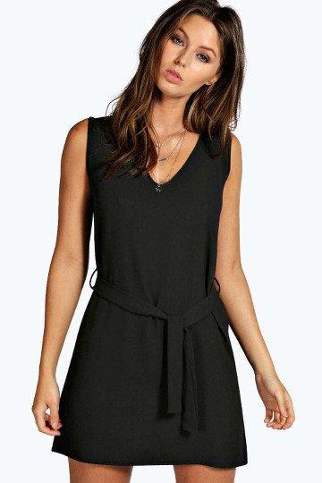 robe-droite-noir-courte-boohoo-lenaelle
